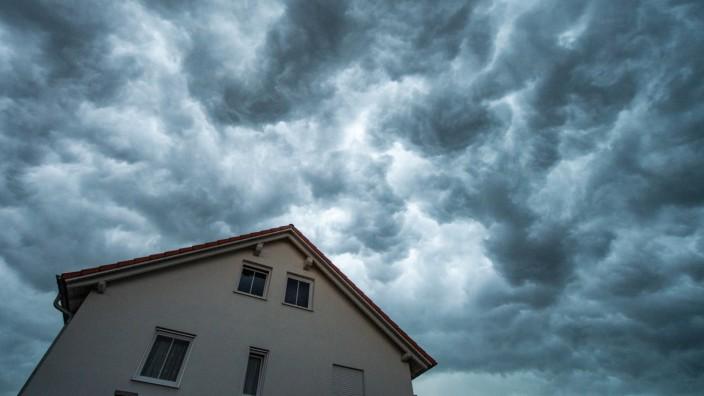 Starkregen kann jedes Haus fluten:Schutz nachrüsten