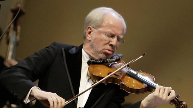 ITAR TASS MOSCOW RUSSIA DECEMBER 8 2010 Latvian Violinist Gidon Kremer performs Robert Schumann