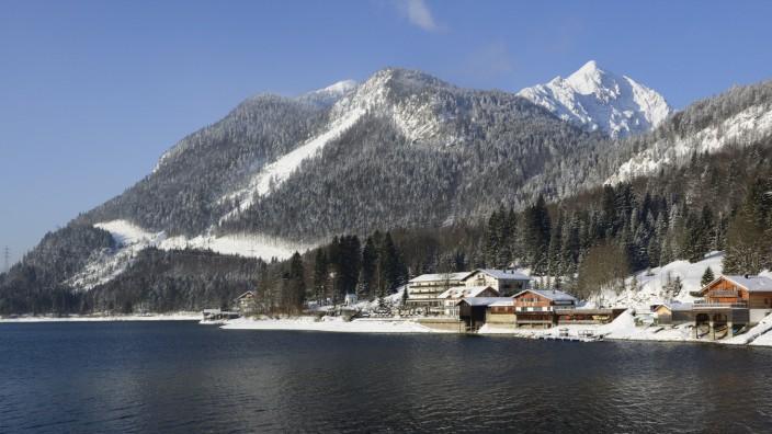 Skigebiete: So schön kann es sein: Bietet der Winter ausreichend Schnee und scheint dazu noch die Sonne, ist am Herzogstand viel los.