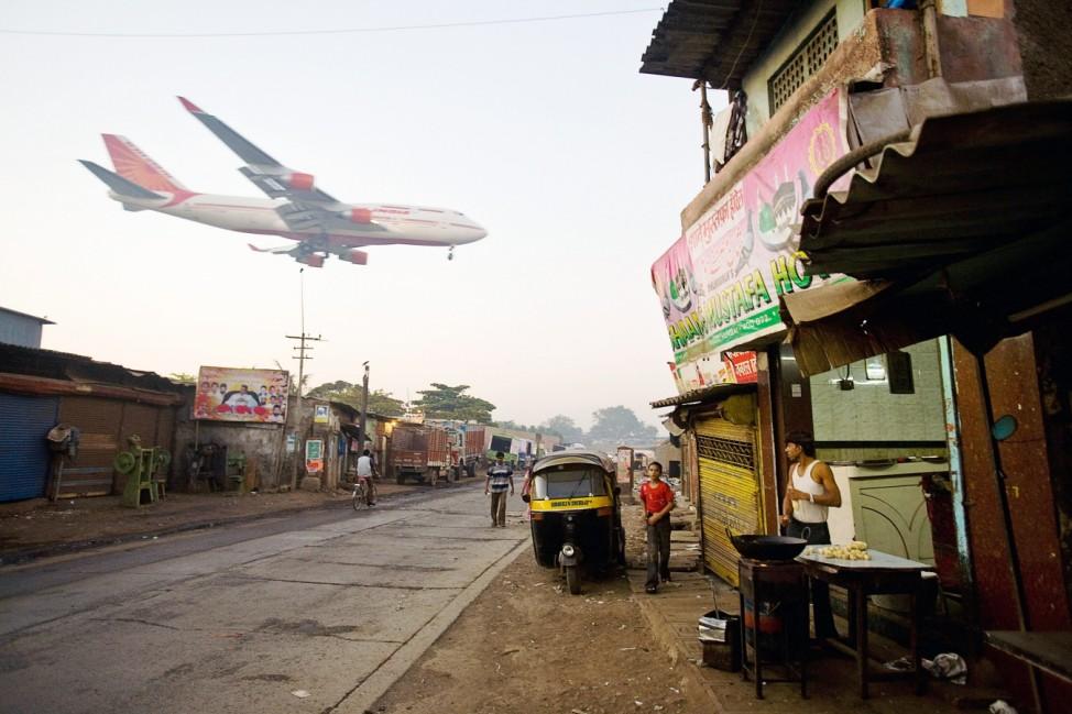Mumbai Slum Redvelopment Stalled By Financial Crisis