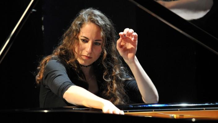 Konzerte München: Tief romantisch: Die Pianistin und Komponistin Laura Konjetzky.