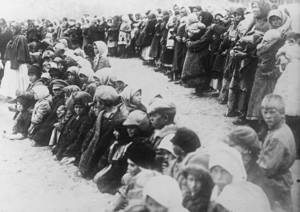 Verwahrloste Waisen auf der Straße in Rußland, 1917-1930