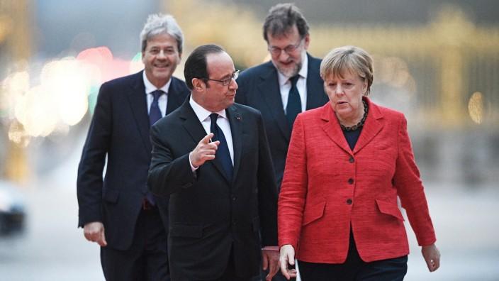 Deutsch-französische Freundschaft: Ein Bild aus dem Jahr 2017: François Hollande mit Angela Merkel im Vordergrund, hinten der Spanier Mariano Rajoy (rechts) und der Italiener Paolo Gentiloni.