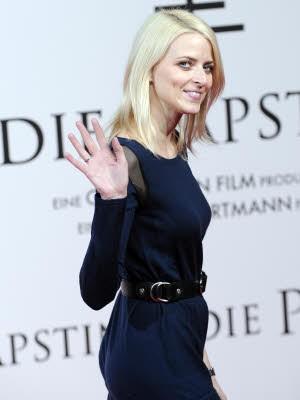 Pilgern zur Päpstin, Kino-Premiere in Berlin, Eva Padberg; Foto: dpa