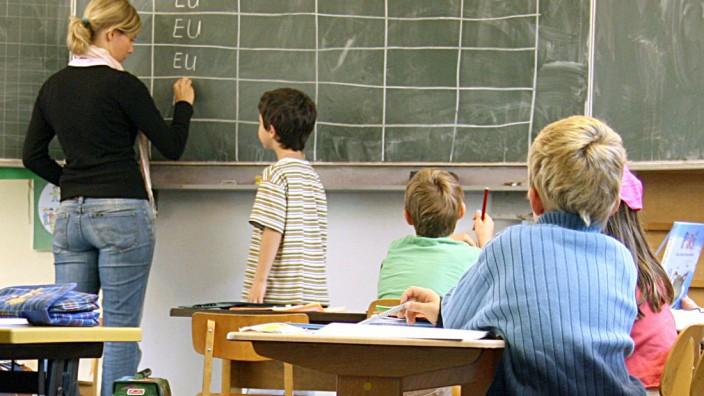 Gewerkschaft: Länder stellen trotz PISA zu wenig junge Lehrer ein