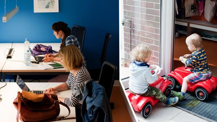 Freiberufler und Familie: In der Luft liegt diese produktive Anspannung, zu der nur Eltern mit kleinen Kindern fähig sind.