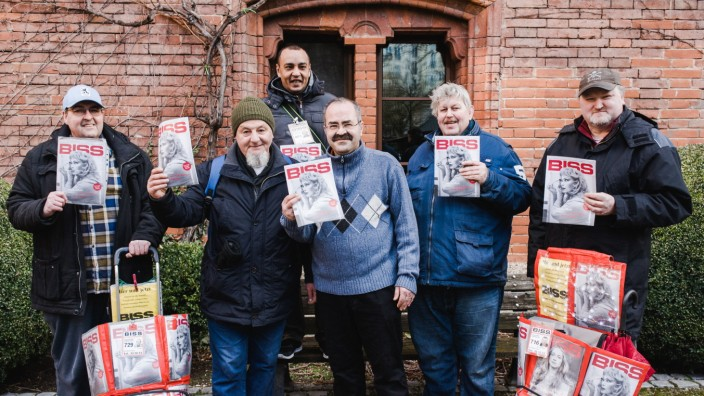 Haltlose Anschuldigungen: Der Verkauf der Straßenzeitung Biss hilft Menschen, auch schwierige Lebensumstände wie Obdachlosigkeit zu überwinden.