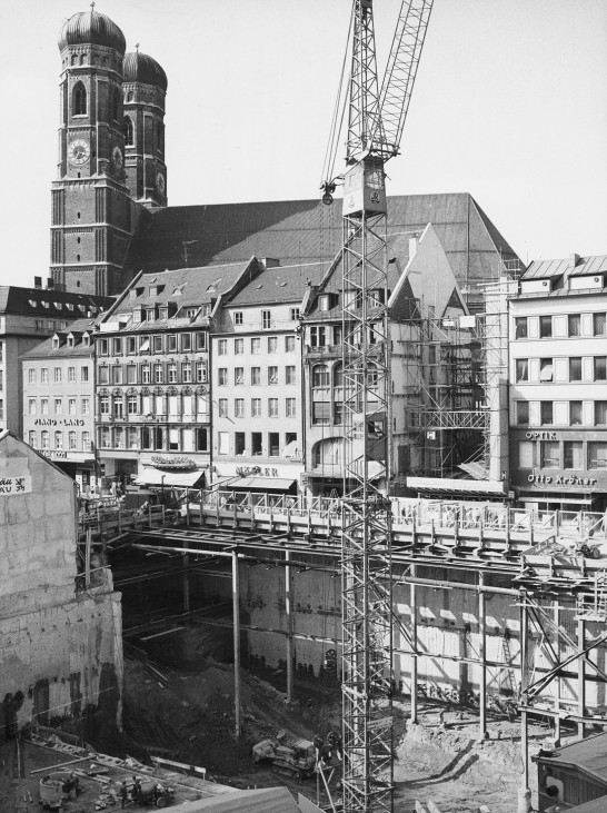 Blick auf die S-Bahn-Baugrube am Marienplatz, 1969