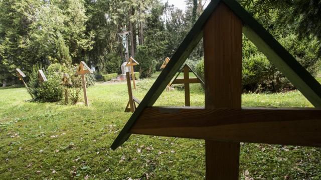 Haar, Isar-Amper-Klinikum, Friedhof mit Geschichte,