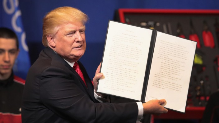 President Trump Visits Snap-On Tools In Kenosha, Wisconsin