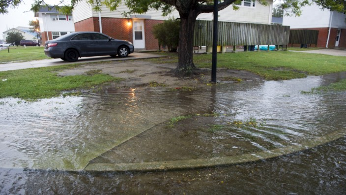 Klimawandel: Der Boden rund um die Chesapeake Bay senkt sich ab, zugleich steigt der Wasserspiegel in der Bucht. Überflutungen wie hier in der Ortschaft Crisfield ereignen sich dadurch immer häufiger.