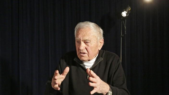 Zeitzeuge: Nick Hope ist 93 Jahre alt, aber die Erinnerungen an die Zwangsarbeit, die er als junger Mann leisten musste, sind noch präsent.