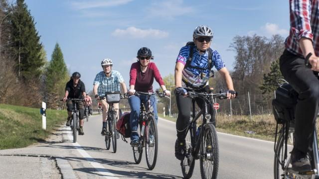 Radltouren: Wer zur vereinbarten Zeit am Treffpunkt ist, kann mitfahren, eine Anmeldung ist nicht nötig. Bei den Radtouren des ADFC geht es auf immer neuen Routen durch die ganze Region.