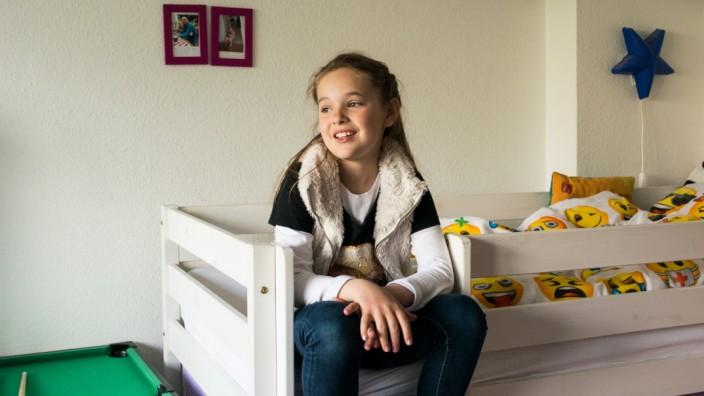 Scheidung: Meret, 9 Jahre alt, in ihrem Kinderzimmer bei Ihrer Mutter