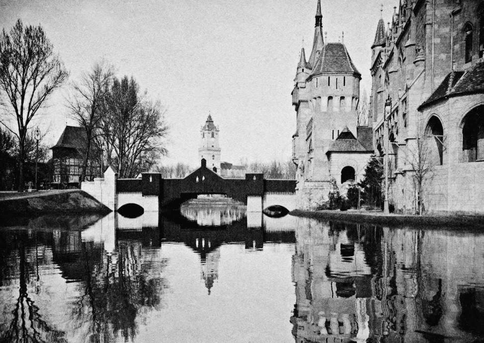 Vajdahunyad Burg, 1896