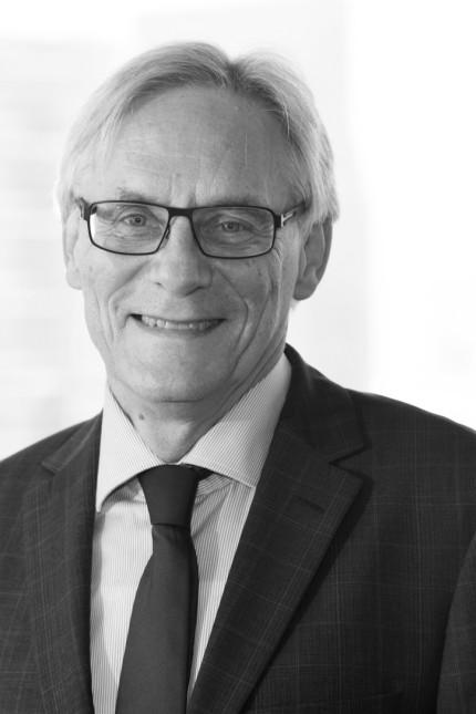 Außenansicht: Eckhard Lübkemeier, 66, ist Botschafter a. D. Gegenwärtig arbeitet er als Gastwissenschaftler in der Forschungsgruppe EU/Europa der Stiftung Wissenschaft und Politik in Berlin.