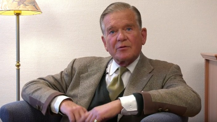 Tegernsee: Im Video erklärt Constantin Leopold Prinz von Anhalt-Dessau, warum er die AfD gut findet. Über seine angeblich bemerkenswerte Biografie sagt er nichts.
