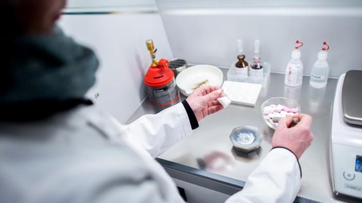 Pistorius übergibt mobiles LKA-Labor