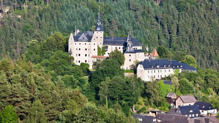 Umweltschutz: Der Frankenwald, in dem auch die Burg Lauenstein liegt, ist ein ungefähr 100 000 Hektar großes Waldgebiet im Nordosten Bayerns.