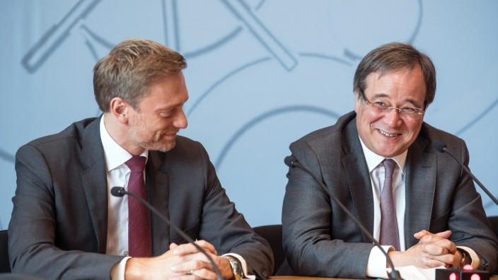 CDU und FDP wollen über Koalition in NRW verhandeln