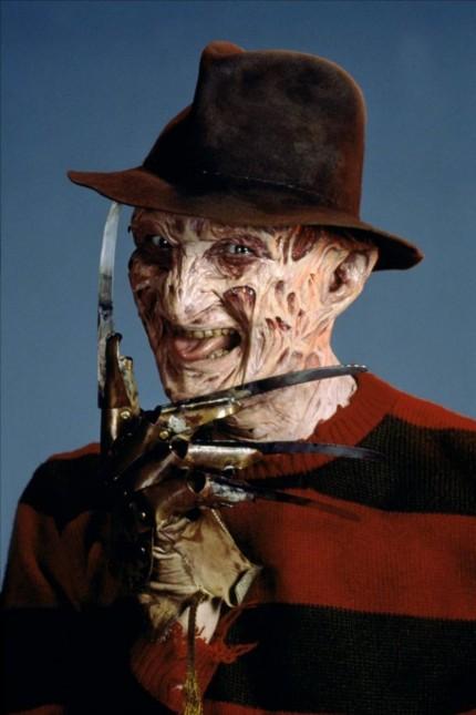 Robert Englund in der Rolle des Freddy Krueger während einer Szene des Films A Nightmare on Elm St