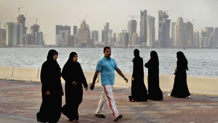 Krise am Golf: Börsenabsturz und Hamsterkäufe: Das Emirat Katar (im Bild die Stadt Doha) wird durch den Boykott seiner arabischen Nachbarn empfindlich getroffen.