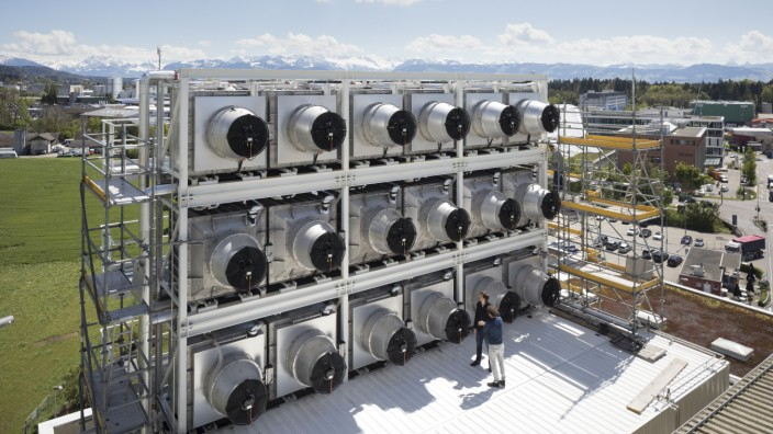Klimawandel: Eine Direct-Air-Capture-Anlage in der Schweiz zur CO2-Reduzierung