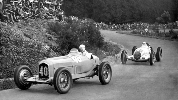 Rennszene auf dem Nürburgring 1936