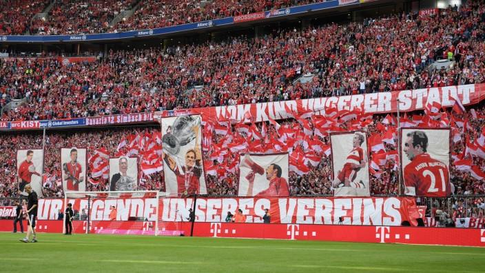Bayern Muenchen v SC Freiburg - Bundesliga; bayern-fans