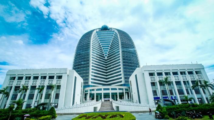 Bohai Leasing to buy 20% of Avolon for $429 million