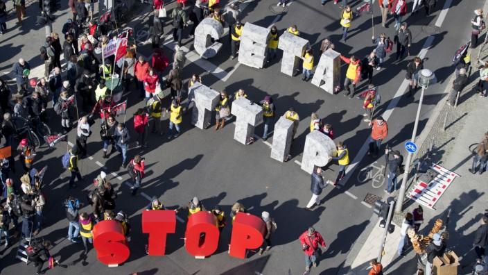 Demonstration gegen TTIP und Ceta im Oktober 2015 in Berlin