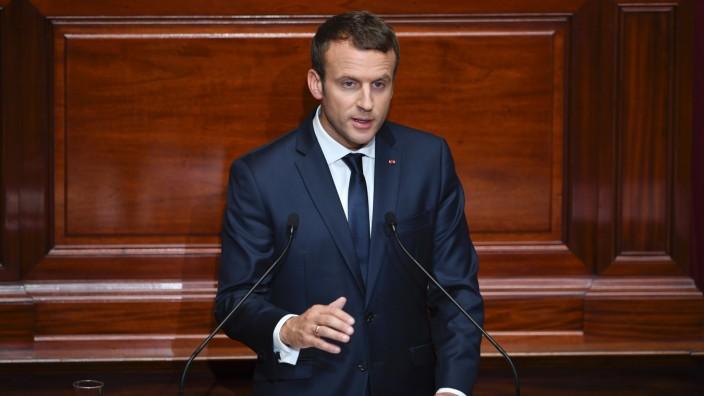 Versailles: Macron bei seiner Rede an die Nation.