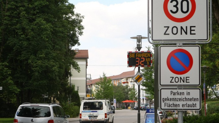 Verkehrssicherheit: Wo es Tempo-30-Schilder gibt, sollte man sie auch sehen.