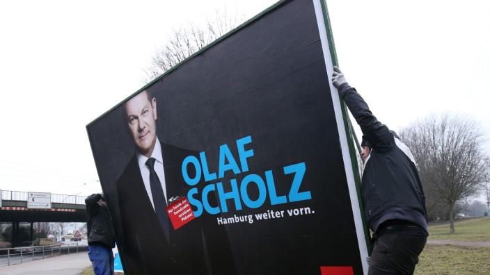 Abbau Wahlplakate nach Bürgerschaftswahl in Hamburg