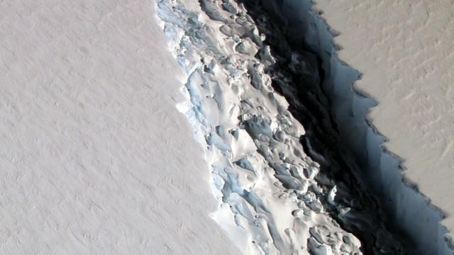Gigantischer Riss im Eis der Antarktis