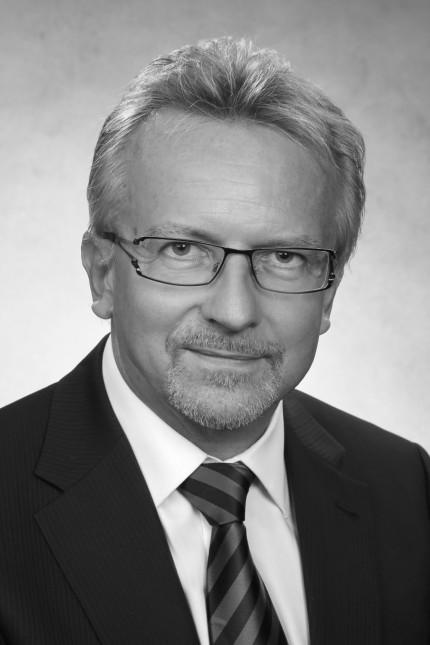 Außenansicht: Karl-Heinz Kamp, 60, ist Präsident der Bundesakademie für Sicherheitspolitik in Berlin.