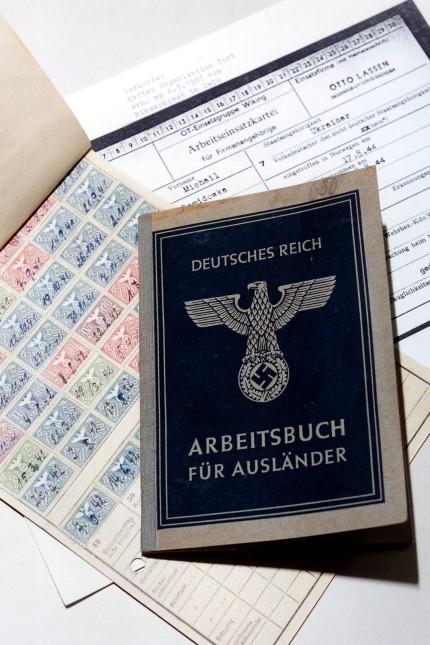 Arbeitsbuch für Ausländer aus dem Dritten Reich aus dem Archiv des IKRK