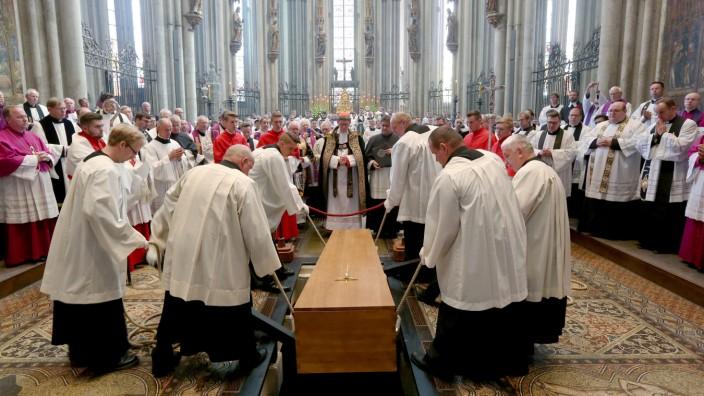 Bestattung von Kardinal Meisner im Kölner Dom