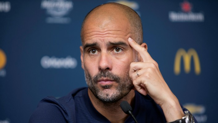 Football Soccer - Manchester City news conference