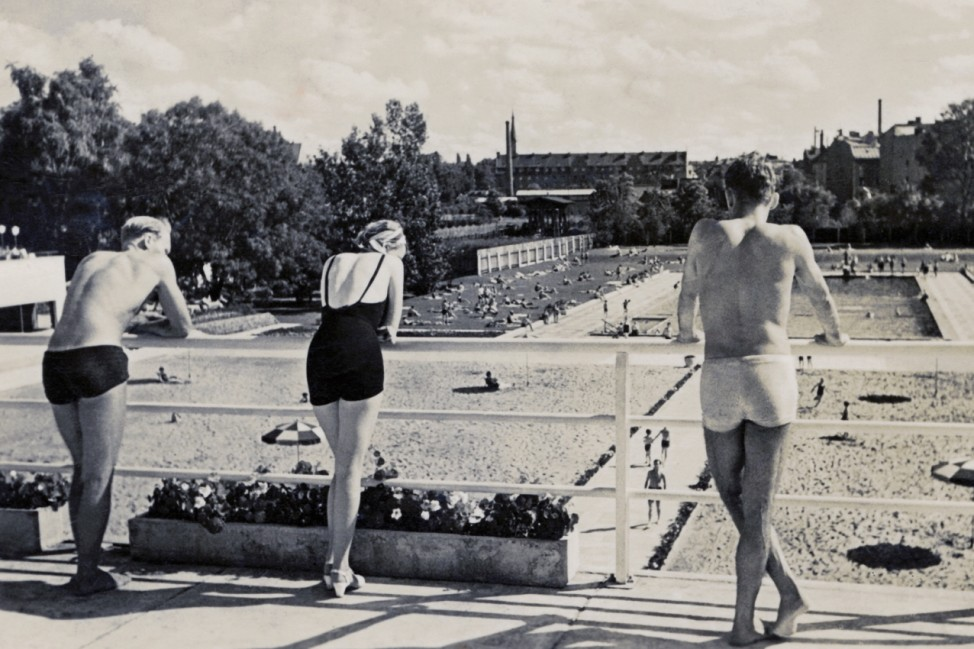 Munich - Outdoor beach and swimming pool - 1930s