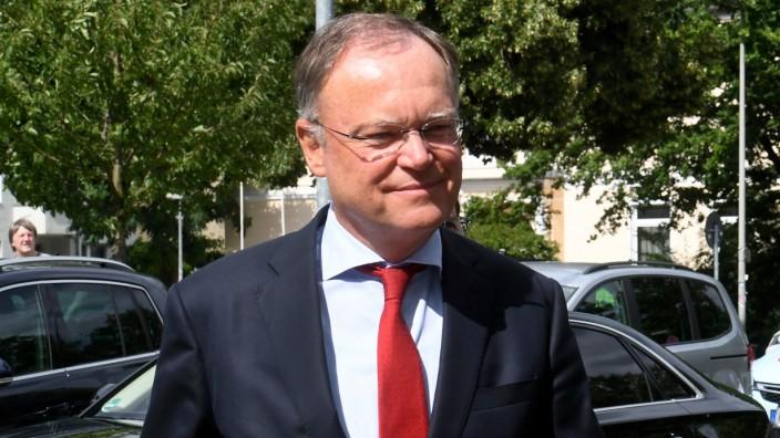 VW-Affäre: Stephan Weil (SPD) bestreitet die Vorwürfe, er habe sich von VW beeinflussen lassen.