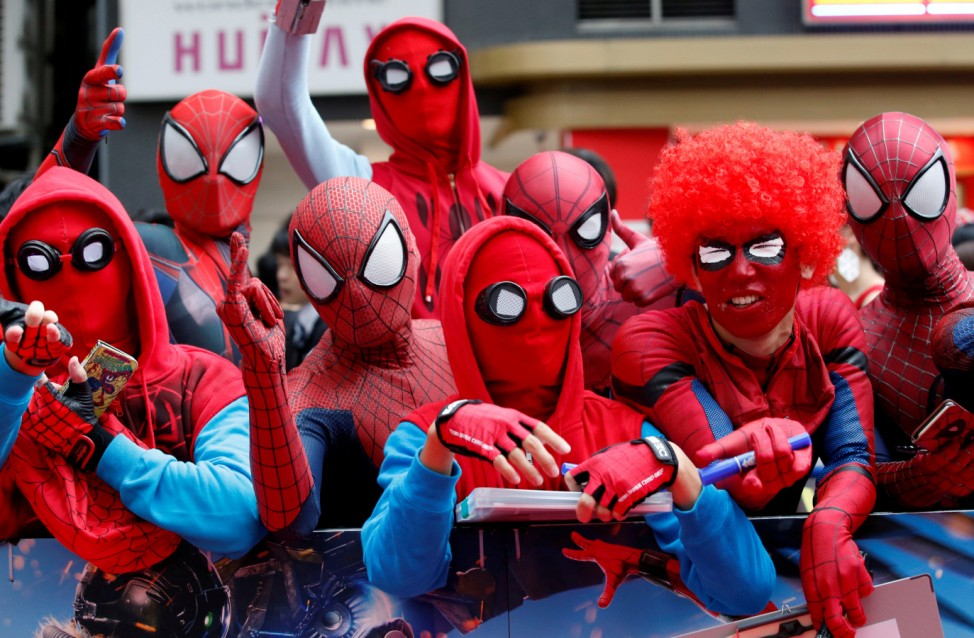 Fans wait for the arrival of Holland and director Watts during the Japan premiere of 'Spider-Man: Homecoming' in Tokyo
