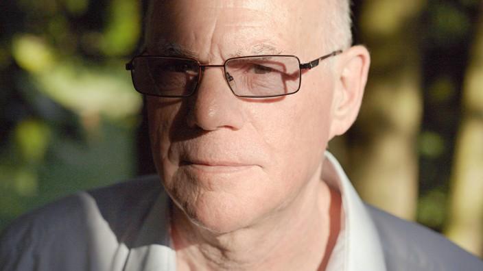 Norbert Lammert im Gespräch: Norbert Lammert wurde 1948 als ältestes von sieben Kindern in Bochum geboren. Seit 1980 sitzt er für die CDU im Bundestag. Bundestagspräsident ist er seit 2005. Lammert zieht sich nach dieser Legislaturperiode aus der Politik zurück.