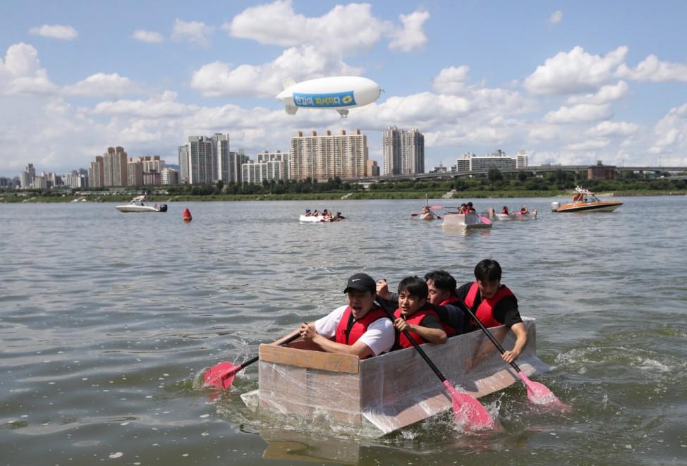 Papierbootrennen in Seoul