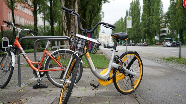 Obikes: Wer eines der neuen Obikes in der Stadt ausleihen will, muss zuerst eine Kaution von 79 Euro hinterlegen.