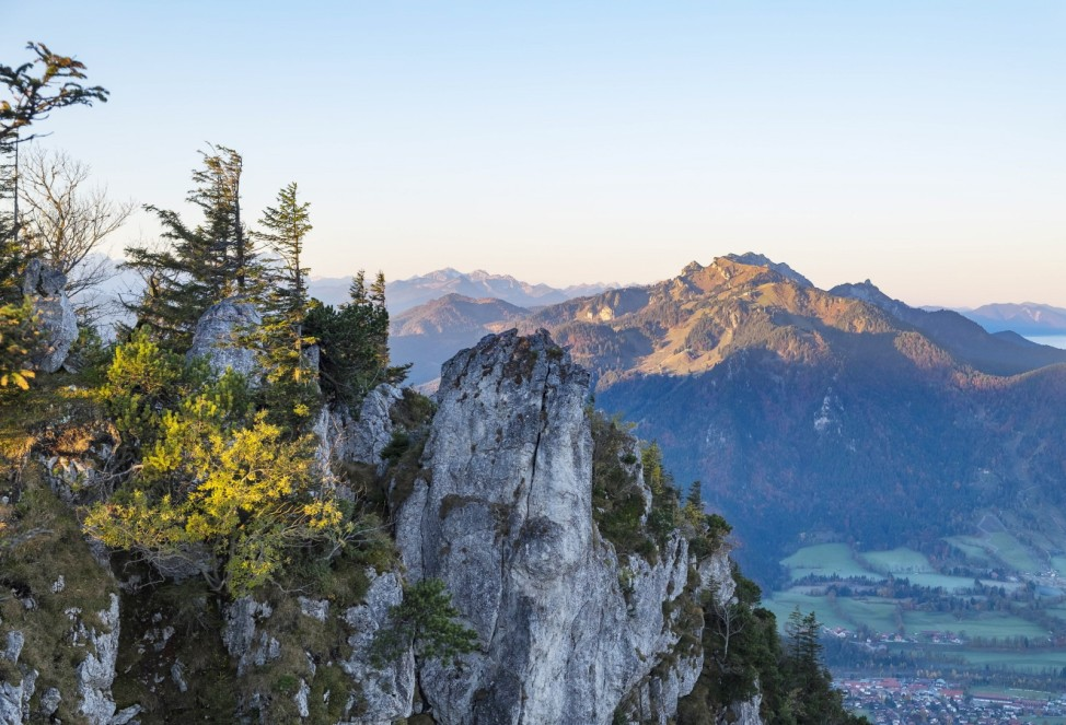 Germany Bavaria Upper Bavaria Isarwinkel Lenggries View to Geierstein mountain Brauneck behind