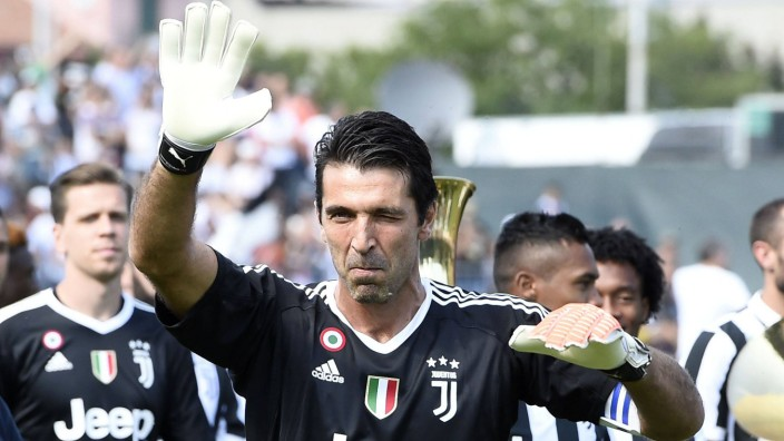 Db Villar Perosa To 17 08 2017 amichevole Juventus A Juventus B foto Daniele Buffa Image nel; Buffon villar perosa
