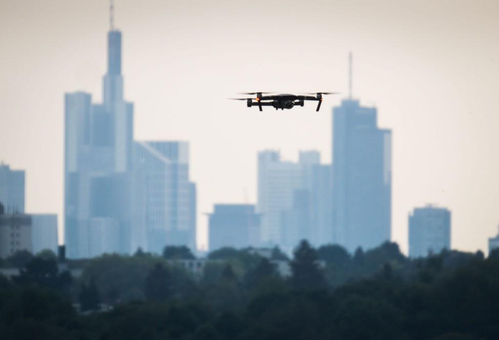 Drohne über der Stadt