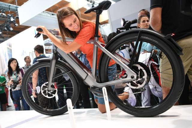 Mit Display und Diebstahlschutz: Eurobike zeigt Fahrrad-Trends