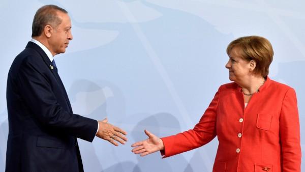Angela Merkel und Recep Tayyip Erdogan 2017 in Hamburg